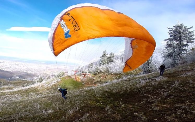 i-started-paragliding-to-overcome-my-fear-of-heights-and-this-is-how-it-went-6__880