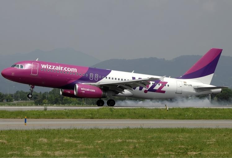 Wizz_Air_Airbus_A320_Bidini-2