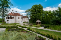 Kalnoky Castle- garden - Alex Boghian